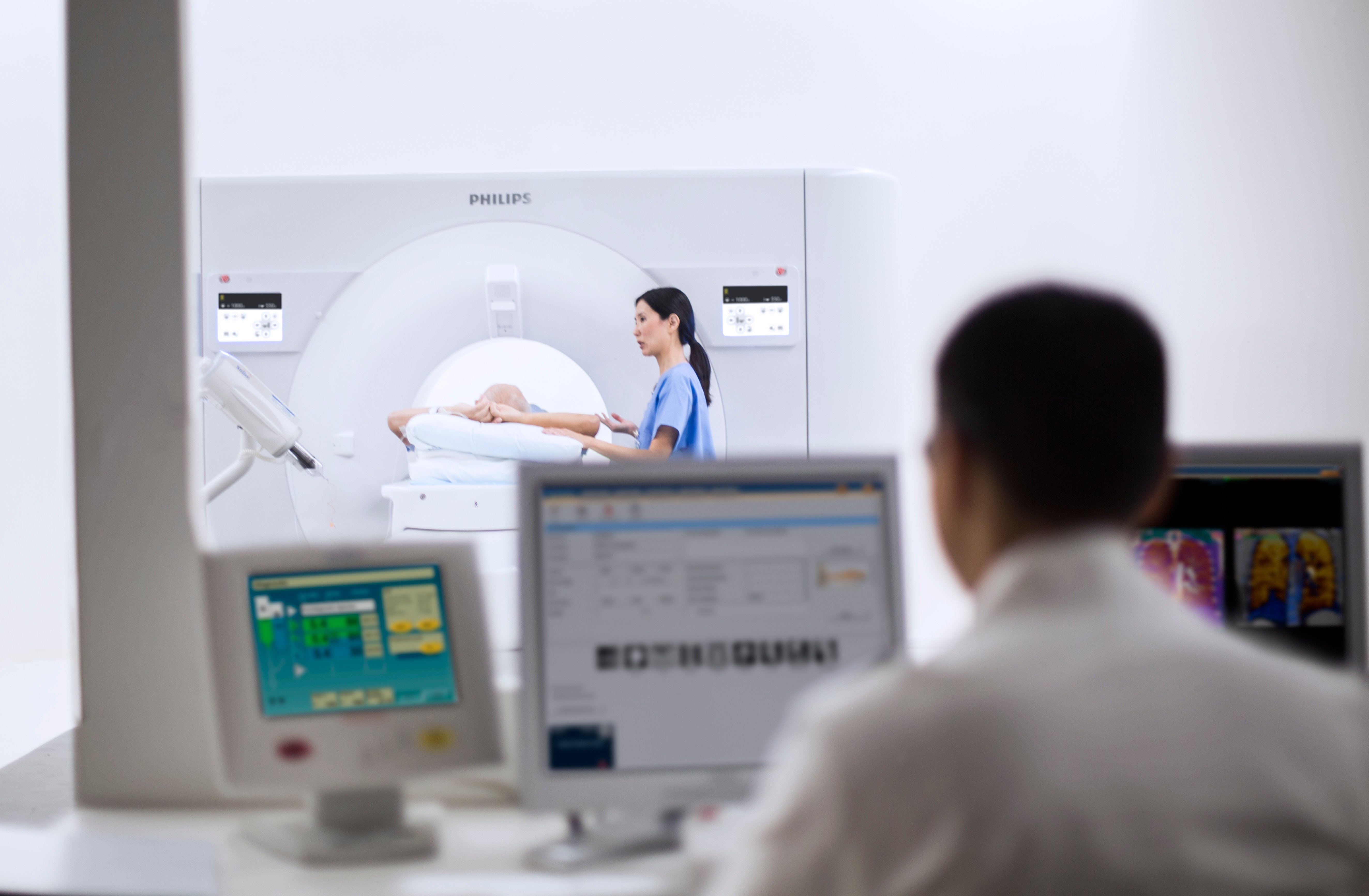The Philips IQon Elite debuted at RSNA 2017 with features designed for emergency and trauma imaging. #RSNA2017, #RSNA17