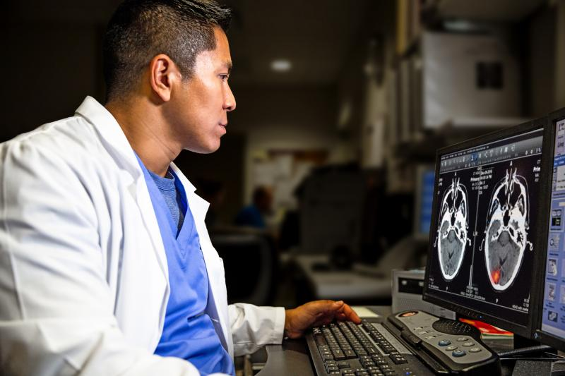 The latest version of the universal viewer shown by GE Healthcare at RSNA 2019 incorporates artificial intelligence