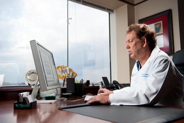 More Than 100,000 Healthcare Providers Using EMRs
