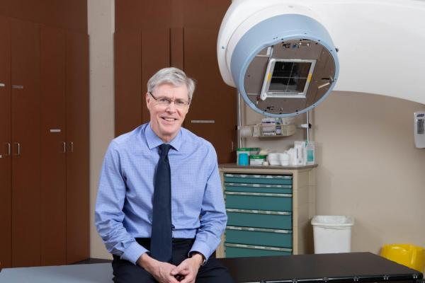 Timothy Whelan is a professor of oncology at McMaster University and a radiation oncologist at the Juravinski Cancer Centre of Hamilton Health Sciences. He holds a Canada Research Chair in Breast Cancer Research. Photo courtesy McMaster University