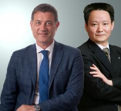 Franco Fontana, CEO of the Esaote Group, and Xie Yufeng, Chairman of WDM.